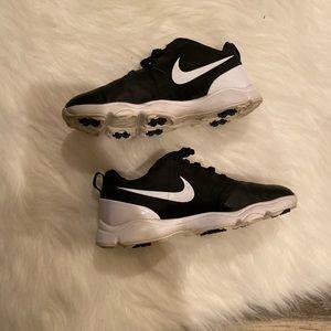 Boys Nikes 4Y good condition